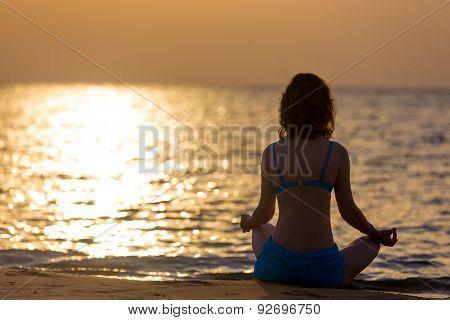 Sukhasana Yoga Pose
