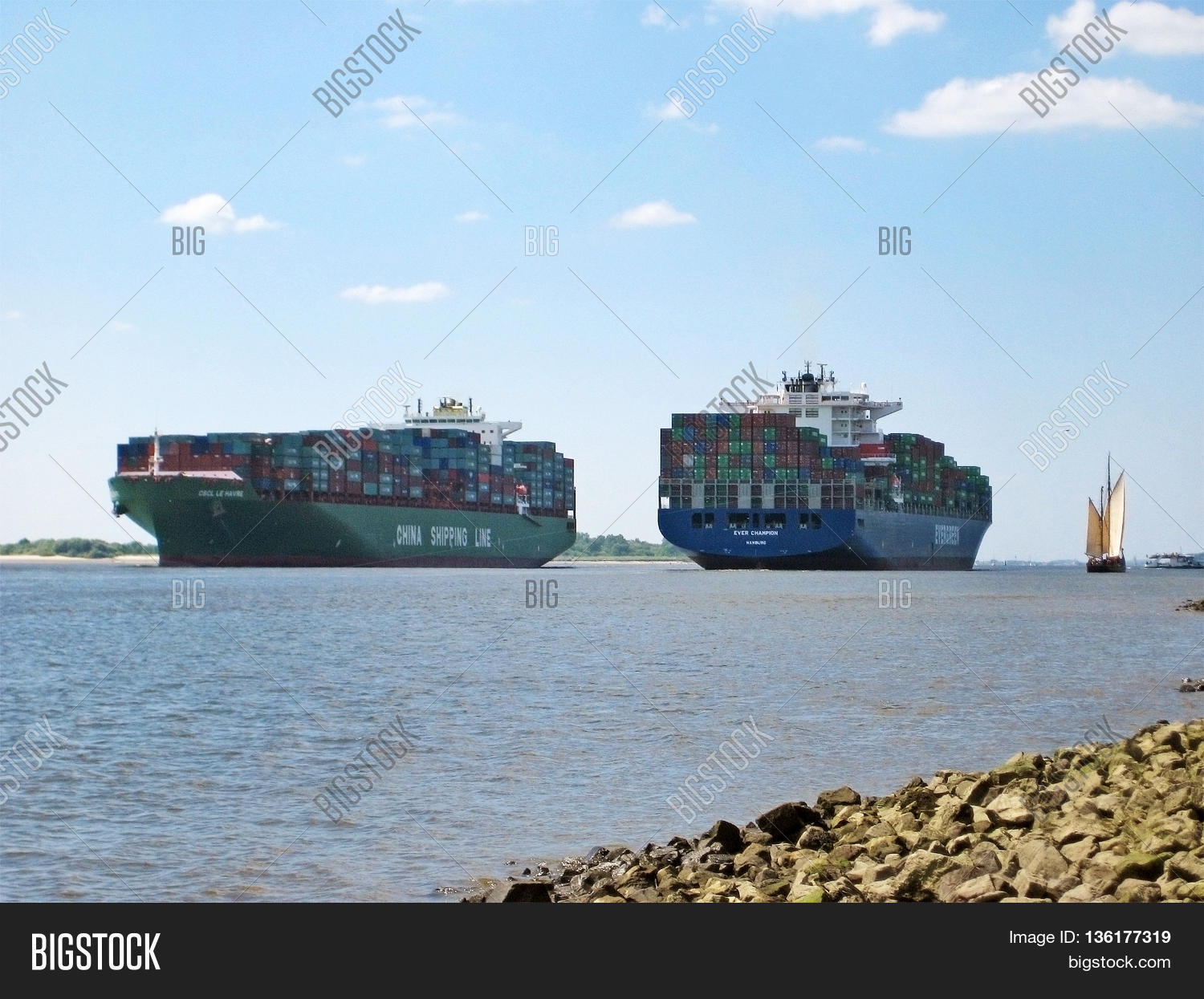 Stock photo hamburg germany riverside new - Hamburg Germany May 24 2008 Big Container Ships Crossing On River Elbe View From