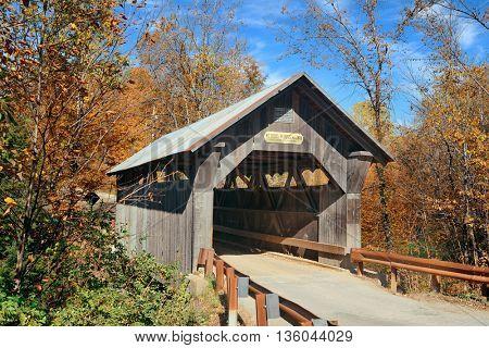 Covered bridge in Vermont in Autumn