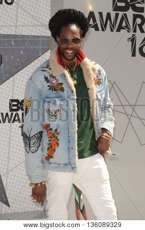 LOS ANGELES - JUN 26:  2 Chainz at the BET Awards Arrivals at the Microsoft Theater on June 26, 2016 in Los Angeles, CA
