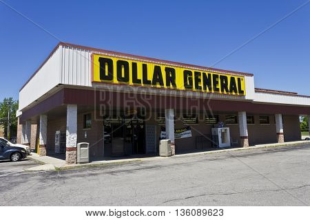 Indianapolis - Circa June 2016: Dollar General Retail Location. Dollar General is a Small-Box Discount Retailer