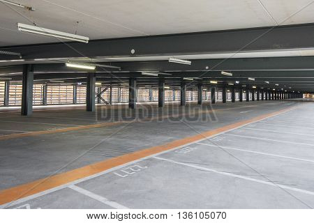 Empty Parking Deck , Park Lot