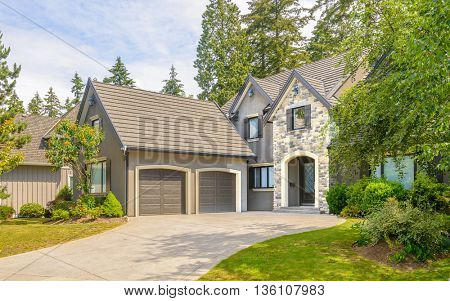 A very neat and colorful home with gorgeous outdoor landscape in suburbs of Vancouver, Canada.