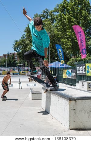 Alfredo Santos During The Dc Skate Challenge