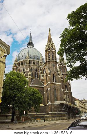 Die Kirche Maria vom Siege (The Church of Maria Victorious) Vienna Austria. Roman Catholic Parish Church by Friedrich Schmidt. Ancient european gothic architecture.