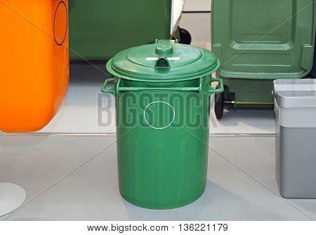 Green Plastic Garbage Trash Bin For Recycling