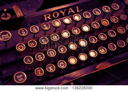 an old typewriter can see very nice details observe all