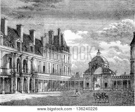 Fontainebleau castle, View of the courtyard Oval and Dauphine door, vintage engraved illustration. Magasin Pittoresque 1843.