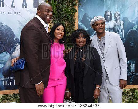LOS ANGELES - JUN 27:  Magic Johnson, Cookie Kelly, LaTanya Richardson & Samuel L. Jackson  arrives to the