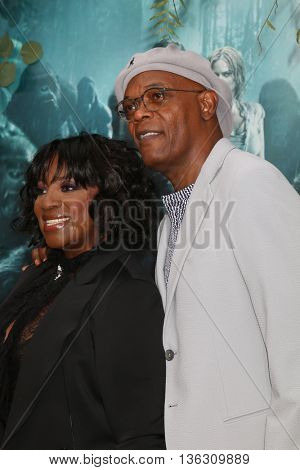LOS ANGELES - JUN 27:  LaTanya Richardson-Jackson, Samuel L. Jackson at The Legend Of Tarzan Premiere at the Dolby Theater on June 27, 2016 in Los Angeles, CA
