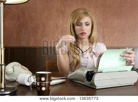 Oficina de Secretario de empresaria Retro Vintage
