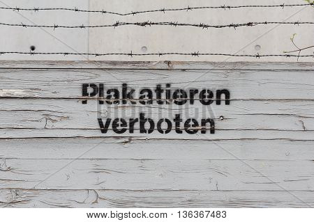 placard forbidden - german: (plakatieren verboten) - no billboards