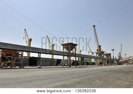 grain ship photography in stroke port being loaded