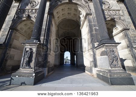 DRESDEN, GERMANY - JUNE 5, 2013:Arch and the entrance to the Dresden Art Gallery