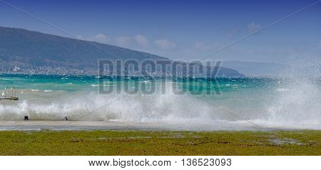 big waves on the lake of Annecy
