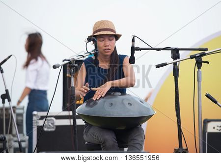 Huahin Thailand-apr17: Honon Band Playing Handpan Was Musical Instrument From Switzerland At Seen Sp
