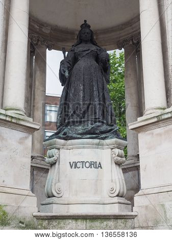 Queen Victoria Statue In Liverpool