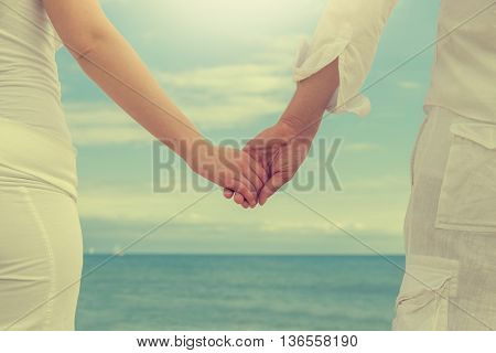 horizon sky background forward looking couple