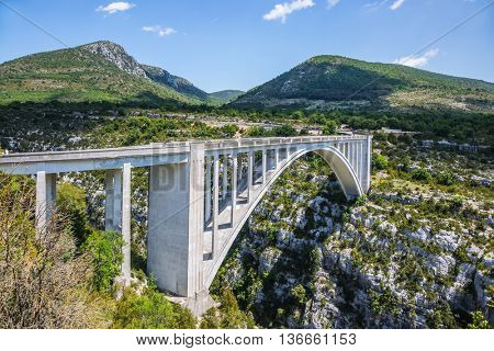 The white pont over the river Artuby from which arranged jumping. Canyon of Verdon, Provence, France. The largest alpine canyon Verdon