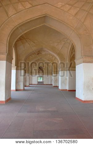 The corridor of arched gallery in the Hindustan style