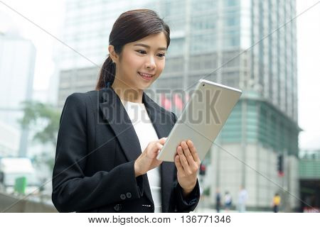 Business woman use of tablet computer