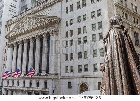 Statue of George Washington on wall street New York City USA