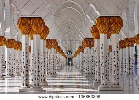 ABU-DHABI, UAE -16 MARCH: Columns in Sheikh Zayed, the big mosque in Abu Dhabi, UAE 16 MArch 2016