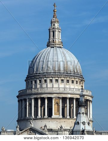 St Pauls cathedral i the city of Londin,UK.