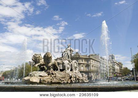 Cibeles Fountain at 20 degrees angle