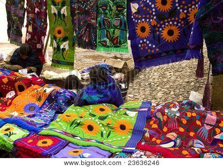Pueblo Maya, venta de camisetas
