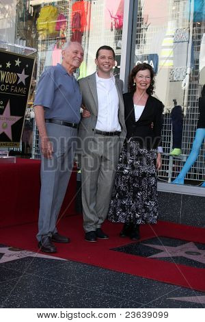LOS ANGELES - SEP 19:  Jon Cryer & parents David Cryer and Gretchen Cryer at the Jon Cryer Hollywood Walk of Fame Star Ceremony at Hollywood Walk of Fame on September 19, 2011 in Los Angeles, CA