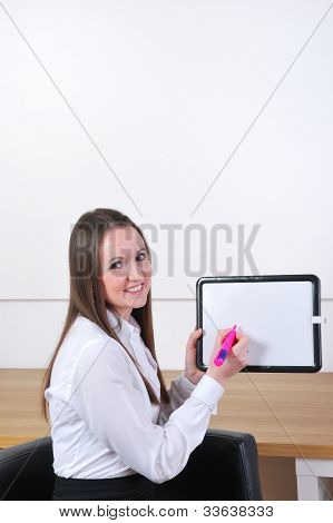 woman with sign and pink pen