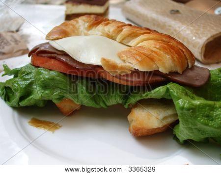 Crossaint Sandwich