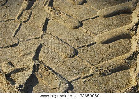 Heavy-duty tyre sand print