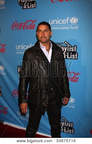 LOS ANGELES - MAR 15:  Jon Huertas arrives at the