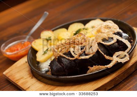 Blood sausage with potatoes