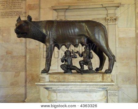 Romulus And Remus Statue