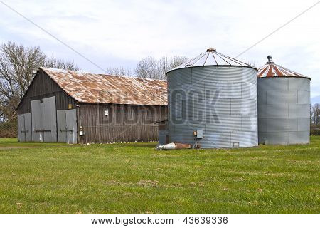 Old Abandoned Shed And Storages Oregon.