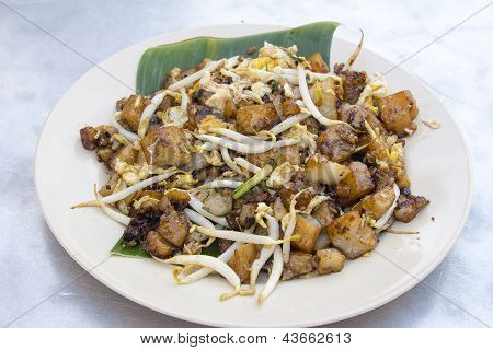 Penang Fried Rice Cake With Bean Sprouts