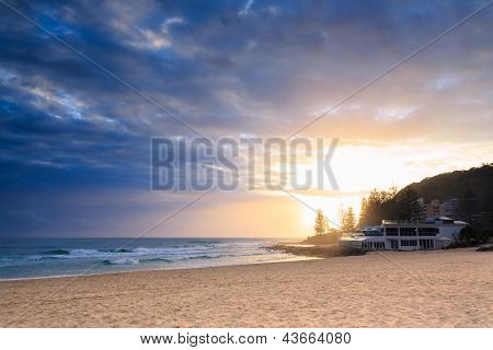 Restaurant By The Ocean In Burleigh Heads