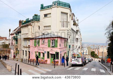 Pink House - Historical Bistro On Montmartre, Paris,