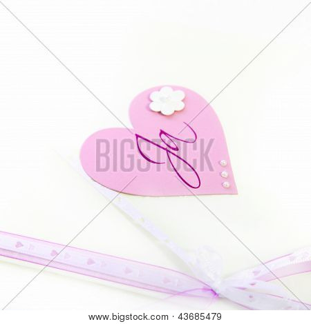 Pretty Pink Valentines Heart And Bow