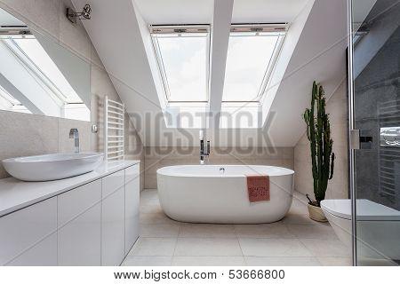 Urban Apartment - Bathroom At The Attic