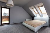 pic of attic  - Urban apartment  - JPG