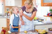 pic of confectioners  - Family home baking  - JPG