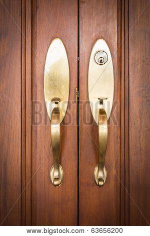 door handles with keyhole
