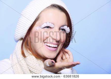 Winter Fashion Girl Warm Clothing Creative Makeup Blowing Kiss