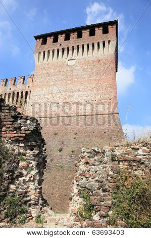 castle ruins of Soncino