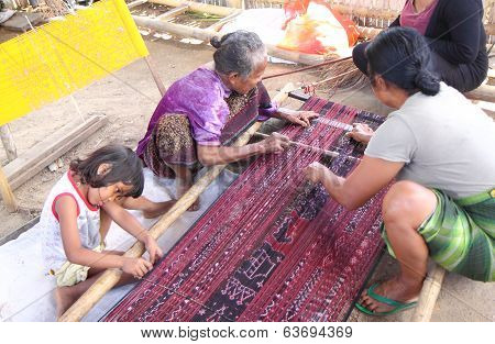 Traditional weaving Indonesia