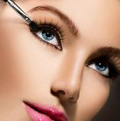 picture of pink eyes  - Makeup - JPG